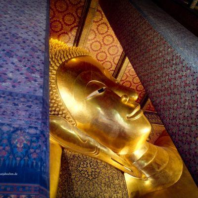 Buddha in Wat Pho in Bangkok by Katja Boehm